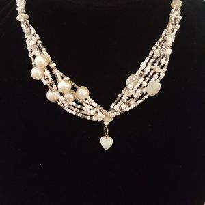 """Jewelry - 18"""" beaded shell heart necklace. Pre loved"""